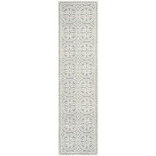 Safavieh Handmade Moroccan Cambridge Silver Wool Rug (2'6 x 8')
