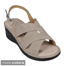 Reneeze Women's 'Christal-02' Criss-cross Mid-wedge Sandals