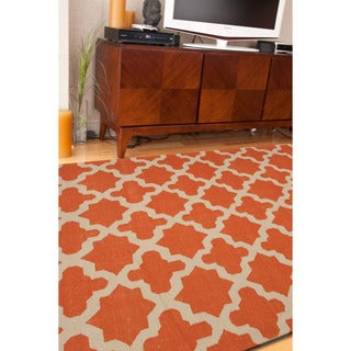 Handmade Flat Weave Geometric Pattern Red/ Orange Rug (9' x 12')