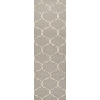 Handmade Flat Weave Geometric Pattern Grey Rug (2'6 x 8')