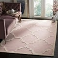 Safavieh Handmade Moroccan Cambridge Light Pink/ Ivory Wool Rug (5' x 8')