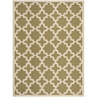 Safavieh Indoor/ Outdoor Courtyard Geometric-pattern Green/ Beige Rug (6'7'' x 9'6'')