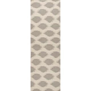 Handmade Flat Weave Tribal Pattern Grey/ Brown Rug (2'6 x 8')