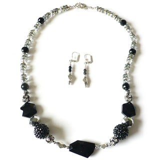 Palmtree Gems 'Queen of Sheba' Necklace and Earring Set