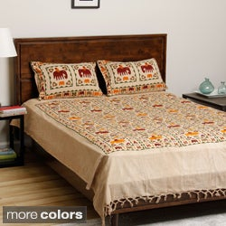 Gujarati Bedspread& Pillowcases with Printed Stylized Elephants (India)