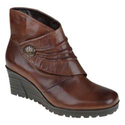 Women's Earth Dune Cinnamon Mooshie Calf