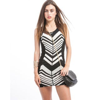 Stanzino Juniors Black/White Chevron Bodycon Dress