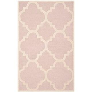 Safavieh Handmade Moroccan Cambridge Light Pink/ Ivory Wool Rug (2'6 x 4')