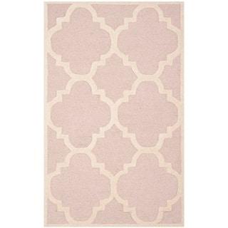 Safavieh Handmade Moroccan Cambridge Light Pink/ Ivory Wool Rug (4' x 6')