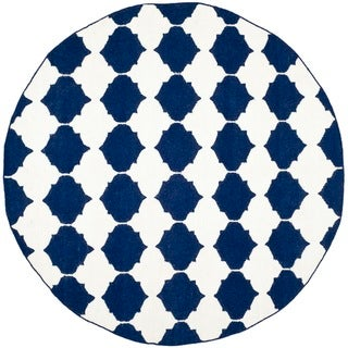 Safavieh Hand-woven Moroccan Reversible Dhurrie Navy Wool Rug (7' Round)