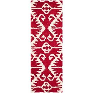 Safavieh Hand-made Wyndham Red/ Ivory Wool Rug (2'3 x 7')