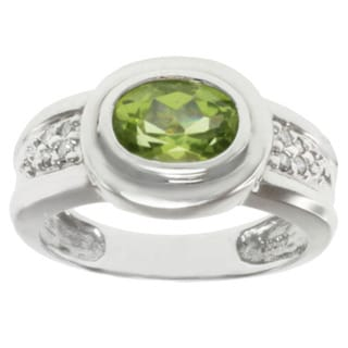 MV 14k White Gold Oval-cut Peridot and Diamond Ring