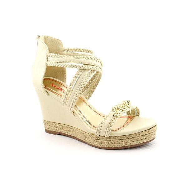 XOXO Women's 'Flora' Man-Made Sandals