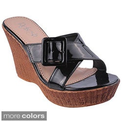 Refresh Women's 'Victoria-03' Patent Wedge Sandals