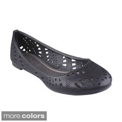 Refresh Women's 'Cherry-03' Laser-cut Flats