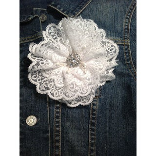 Cuff Luv White Lace Magnetic Brooch