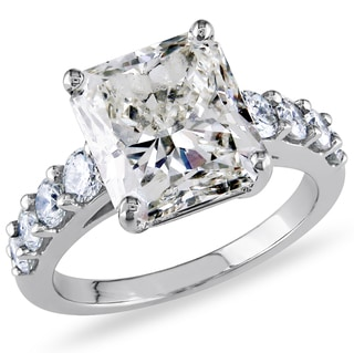Miadora Signature Collection 18k Gold 5 3/4ct TDW Ceritified Radiant-Cut Diamond Ring (H-I, VS2-SI1) (IGI)