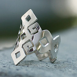 Handcrafted Sterling Silver 'Chiapas Maya' Ring (Mexico)