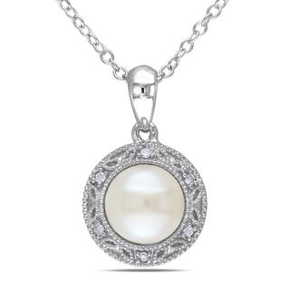 Miadora Sterling Silver Freshwater White Pearl and Diamond Necklace (7-7.5)