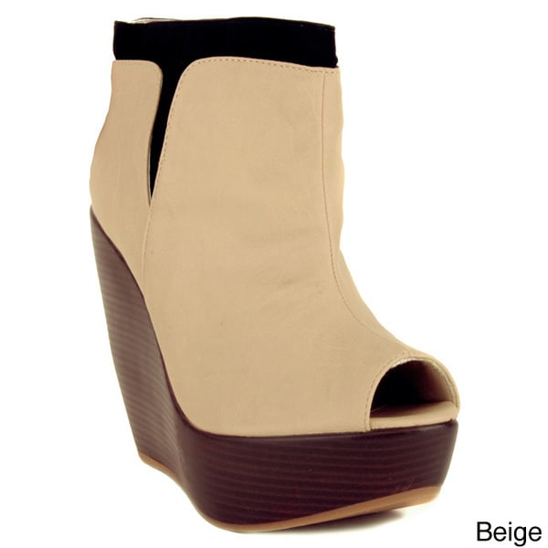 Makers Women's 'Rio-8' Almond Toe Wedge Booties