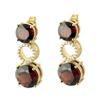 Beverly Hills Charm 14k Gold Garnet and 1/8ct TDW Diamond Earrings (H-I, SI1-SI2)