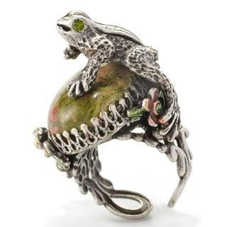 Sweet Romance Silvertone Frog on Epidote Ring