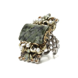 Sweet Romance Two-tone Forest Green Glass and Faux Pearl Ring