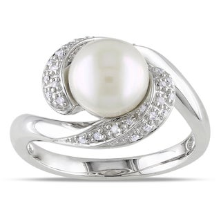 Miadora Sterling Silver Freshwater Pearl 1/10ct TDW Diamond Ring (H-I, I3)