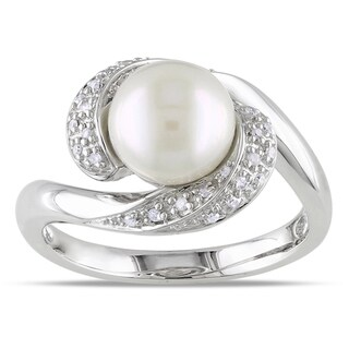 Miadora Sterling Silver Freshwater Pearl 1/10ct TDW Diamond Ring (H-I, I3)
