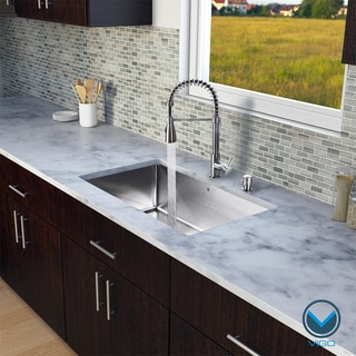 VIGO All in One 32-inch Undermount Stainless Steel Kitchen Sink and Faucet Set