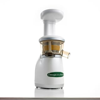 Omega White and Green Heavy Duty Dual-Stage Vertical Single Auger Low Speed Juicer