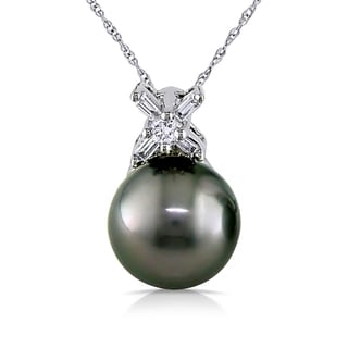 Miadora 14k White Gold Tahitian Pearl and 1/8ct TDW Diamond Necklace (9-9.5 mm)