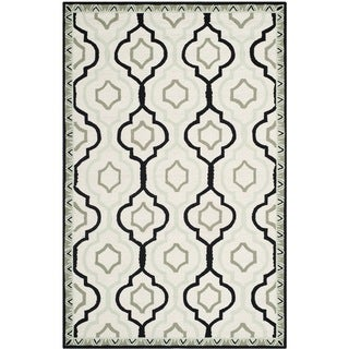 Safavieh Hand-made Chelsea Ivory/ Black Wool Rug (7'9 x 9'9)
