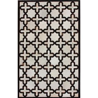 nuLOOM Handmade Moroccan Trellis Ivory Cowhide Leather Rug (7'6 x 9'6)