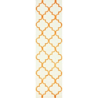 nuLOOM Handmade Moroccan Trellis Faux Silk Wool Runner Rug (2'6 x 8')