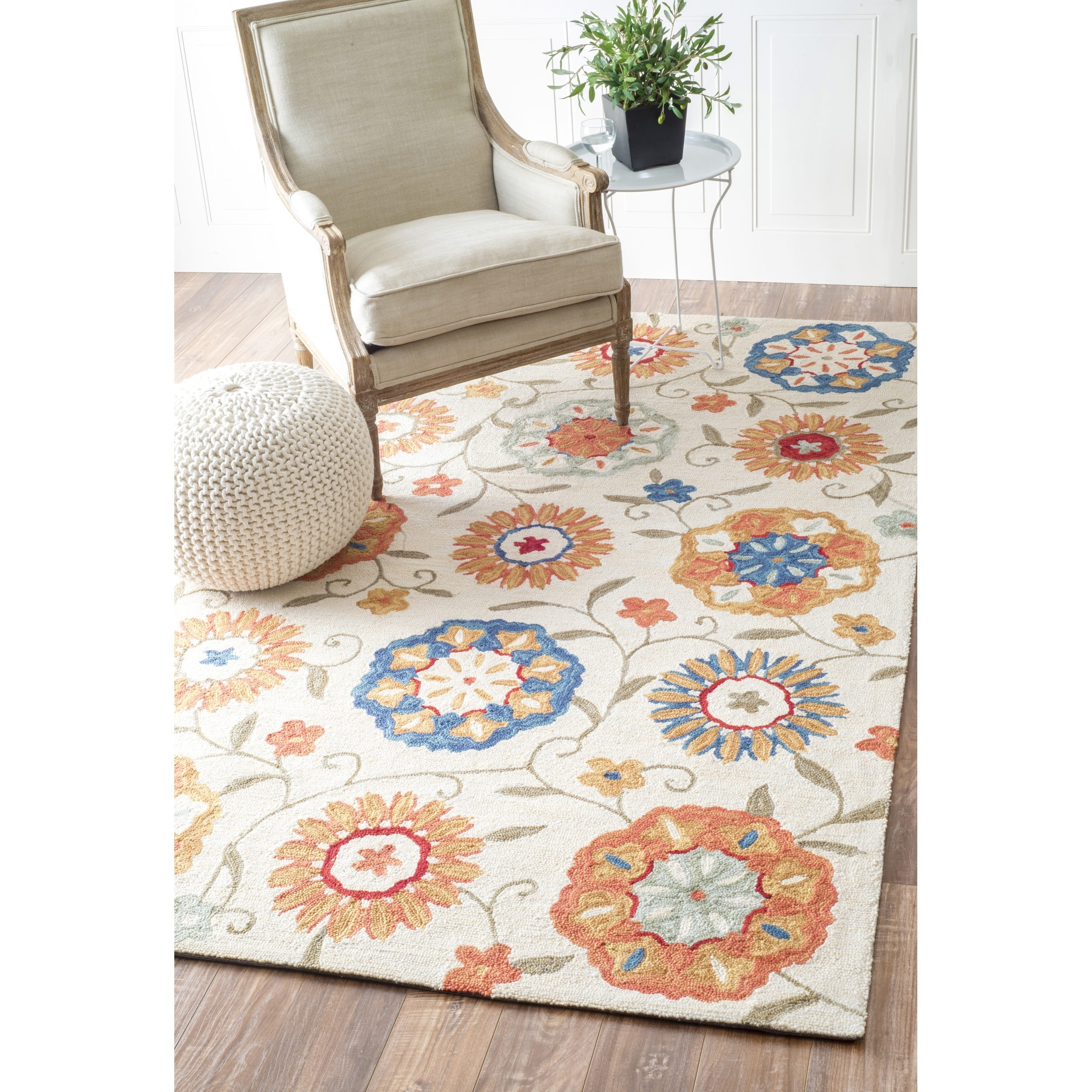 Nuloom Handmade Floral Ivory Rug (6 X 9) (MultiPattern FloralTip We recommend the use of a non skid pad to keep the rug in place on smooth surfaces.All rug sizes are approximate. Due to the difference of monitor colors, some rug colors may vary slightly