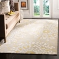 Safavieh Hand-made Capri Grey/ Ivory Wool Rug (8' x 10')