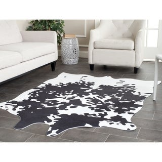 Safavieh Faux Cowhide Brindle Polyester Rug (5' x 6'6)