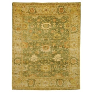 Safavieh Hand-knotted Oushak Green/ Beige Wool Rug (9' x 12')