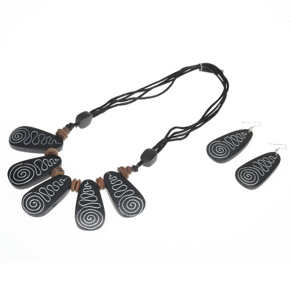Eco Friendly Wood Black Swirl Tile Necklace and Earring Set (India)