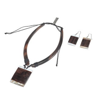 Eco Friendly Wood Brass Plaques Necklace and Earring Set (India)