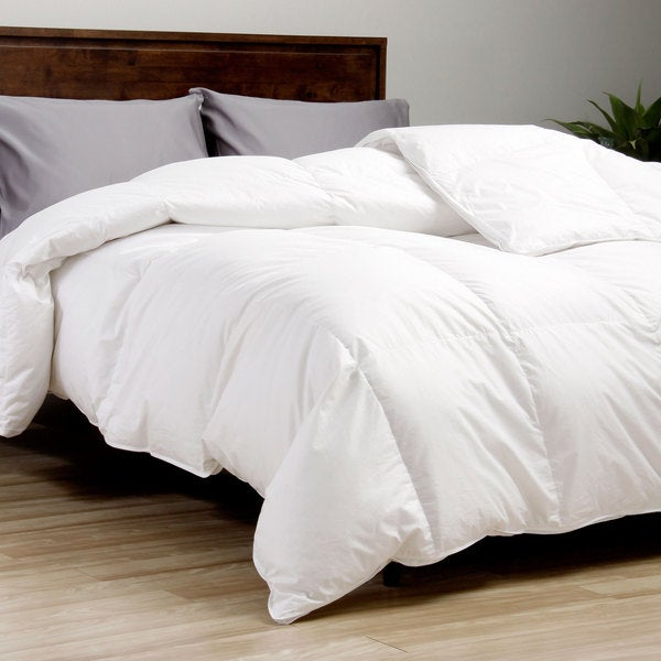 European Legacy 370 Thread Count Baffle Box White Down Comforter (As Is Item)