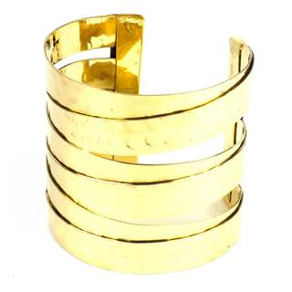 Handmade Banded Goldtone Hammered Cuff (India)