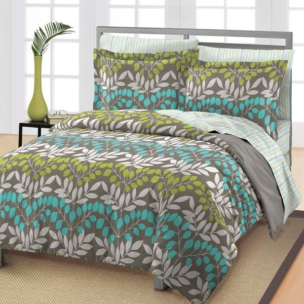 Leaves 7-piece Bed in a Bag with Sheet Set