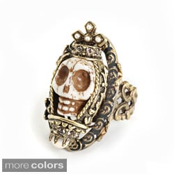 Sweet Romance Queen Carved Skull Ring
