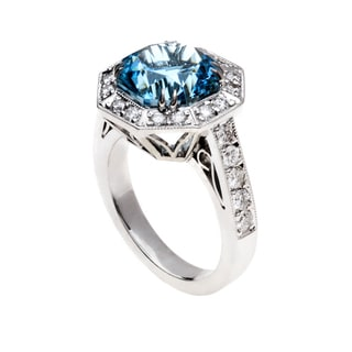 18k White Gold Asscher-cut Aquamarine and 1 1/5ct TDW Diamond Halo Ring (G-H, VS1-VS2)