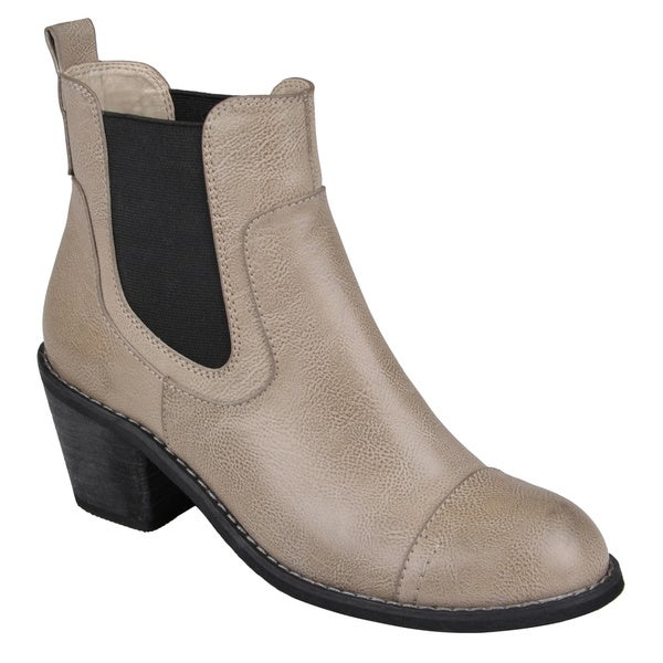 Journee Collection Women's 'Lovely' Round Toe Ankle Boots