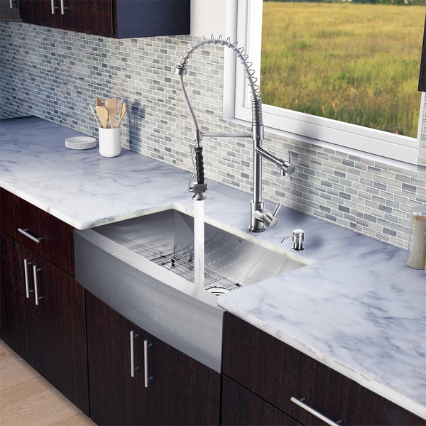 VIGO All in e 30 inch Farmhouse Stainless Steel Kitchen Sink Faucet Set