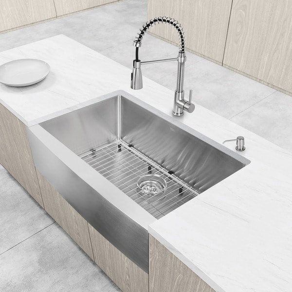 """VIGO All-In-One 33"""" Bedford Stainless Steel Farmhouse Kitchen Sink Set With Brant Faucet 11709123"""