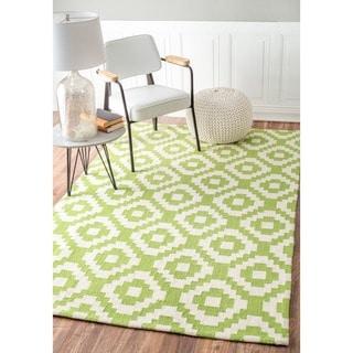 nuLOOM Handmade Wool Pixel Trellis Lime Rug (7'6 x 9'6)